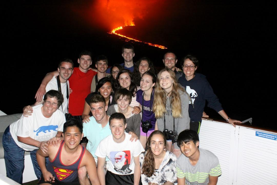 galapagos volcano 1